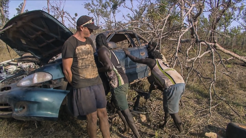 Illustration for article titled These Insane Outback Mechanics Make The Guys On Roadkill Look Like Amateurs