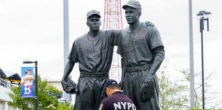 The Jackie Robinson monument (Joe Marino/New York Daily News)
