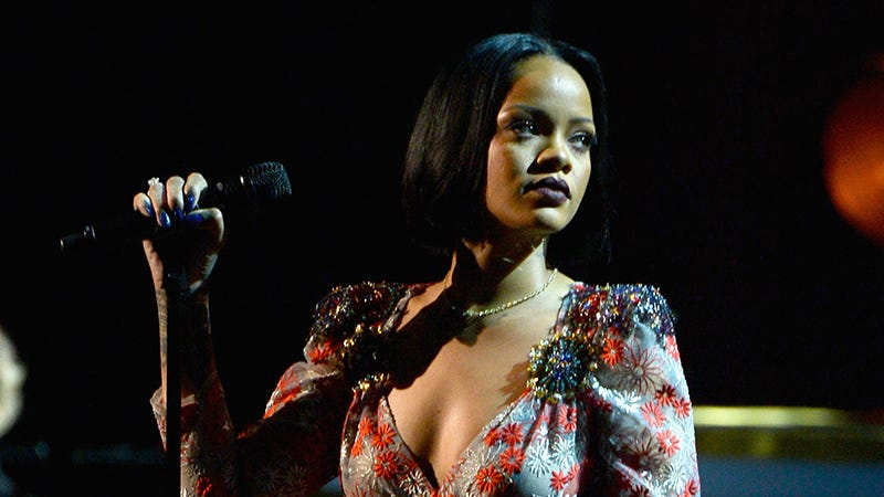 Illustration for article titled Rihanna Reportedly Left the Grammys After a 'Meltdown,' Not Because of Bronchitis