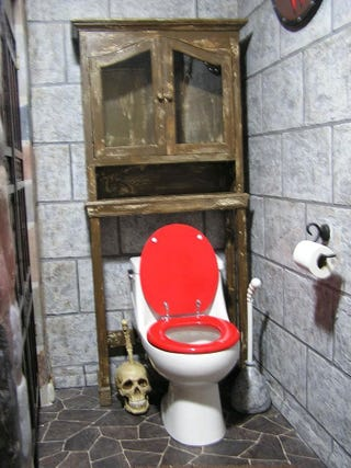 Illustration for article titled To The Bathroom....FOR THE HORDE!!!!