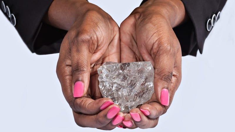Illustration for article titled Encuentran el diamante más grande en cien años: 1.111 quilates