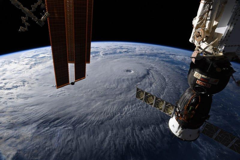 Illustration for article titled Así se ve el huracán Lane desde el espacio, una implacable tormenta a 250 kilómetros por hora