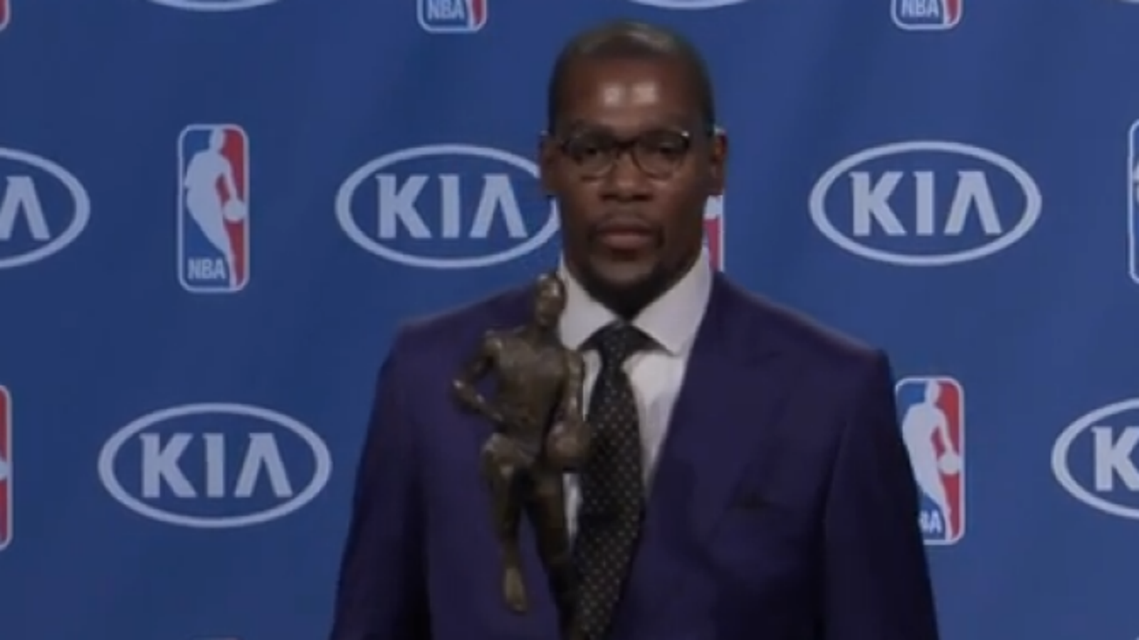 1781551ea1e6 Watch Kevin Durant s Emotional MVP Speech to His Mother