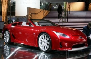 Illustration for article titled Lexus LFA Roadster drops top in 2014