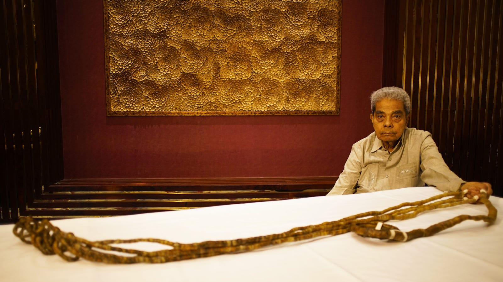 After Growing World's Longest Nails Out of Spite, Man Sells 30-Foot Talons for Enough 'to Retire' On