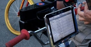 Illustration for article titled This iPad-Controlled Bike Stereo Will Result In At Least One Tragic Demise