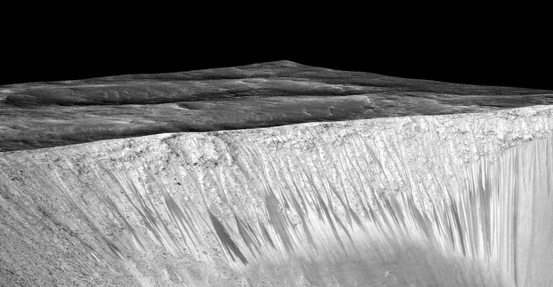 Illustration for article titled 10 Pictures Showing How We Finally Found Water on Mars