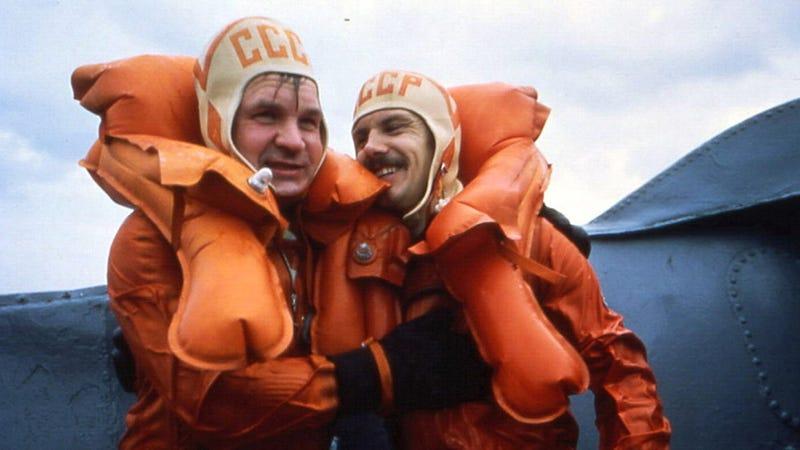 Illustration for article titled Valeri Kubasov, Apollo-Soyuz Crewmember, Passed Away