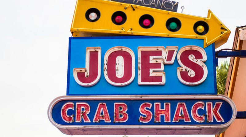 Illustration for article titled Joe's Crab Shack is Trying a No-Tipping Model