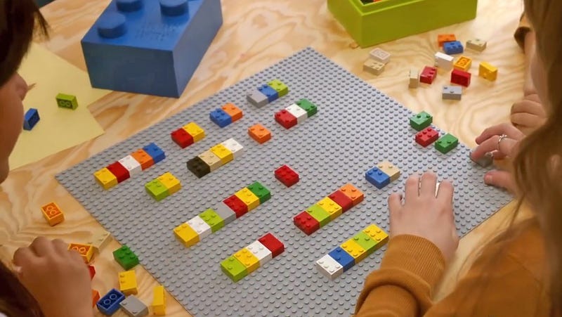 Illustration for article titled Using Lego-Like Bricks to Teach Kids Braille Is a Stroke of Genius