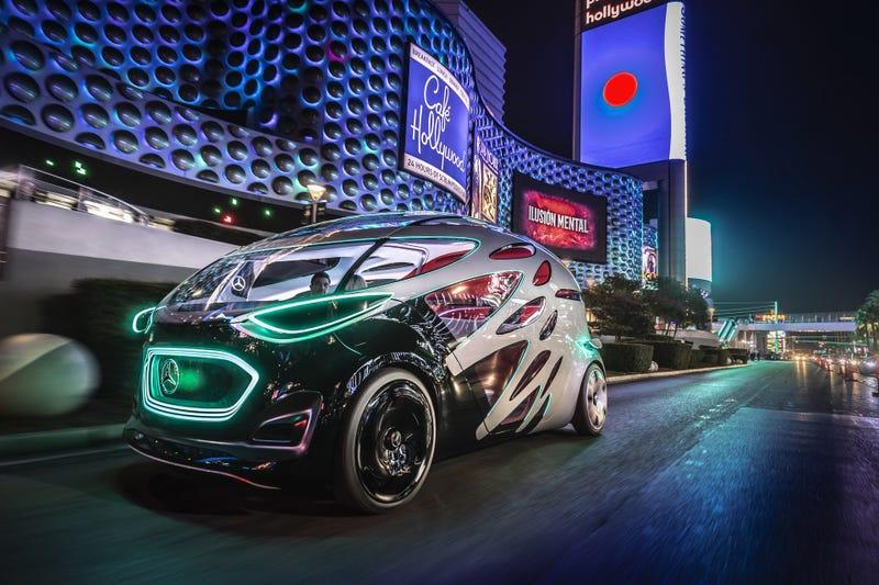Mercedes Benz Urbanetic aka Puffer Fishmobile