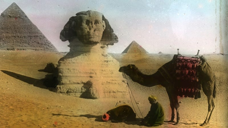 Illustration for article titled Amazing Hand-Tinted Photos of Egypt from the late 19th century
