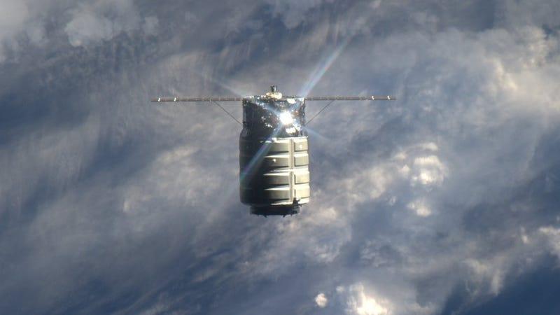Illustration for article titled Bedokkolt a második magánűrhajó is az ISS-re