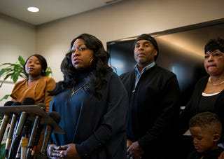 Valerie Castile, mother of Philando Castile, speaks during a press conference Nov. 16, 2016, in Minneapolis.  (Stephen Maturen/Getty Images)