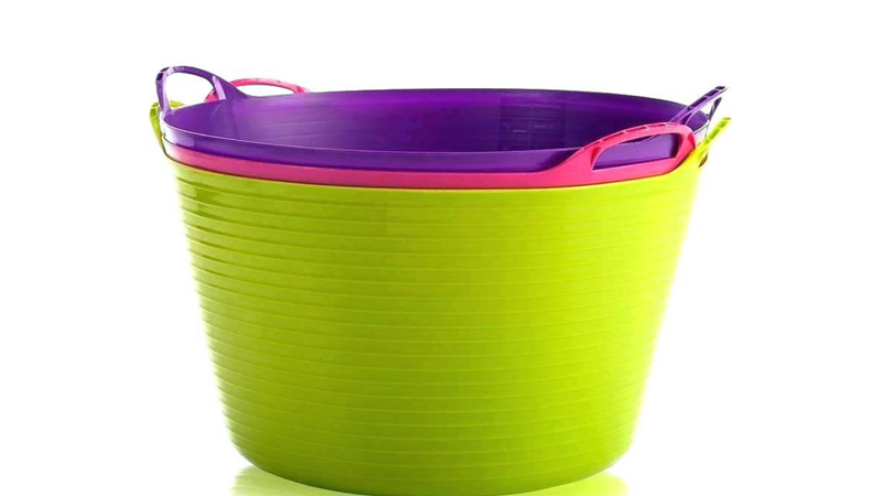 Illustration for article titled Here's the Bucket Hack That's Getting Kids to Put Away Their Stuff