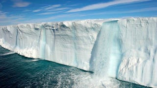 Illustration for article titled These Beautiful Waterfalls Are Made Entirely of Ice