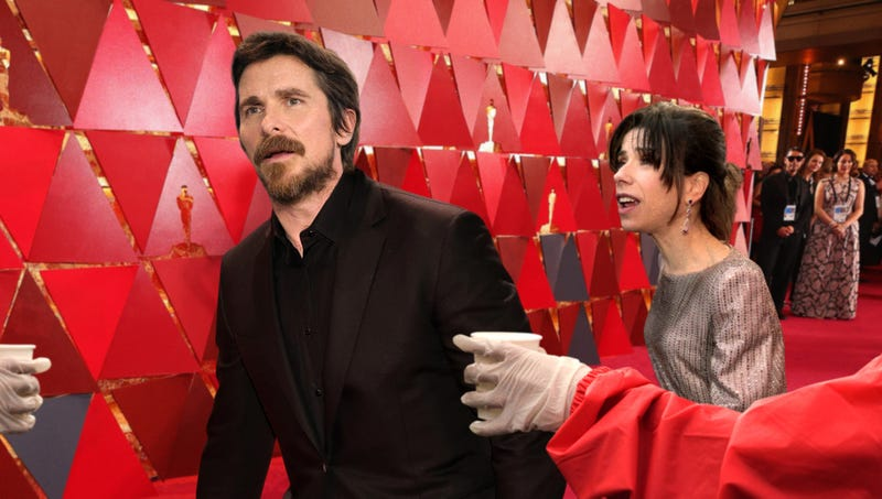 Illustration for article titled Sweating, Exhausted Christian Bale Stumbles Past 13-Mile Marker On Oscars Red Carpet