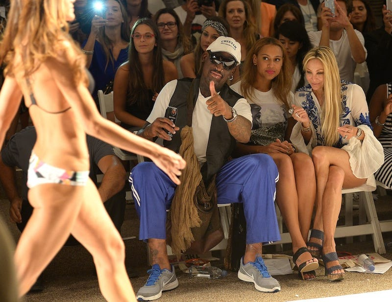 Illustration for article titled Dennis Rodman Had Himself A Good Time At This Fashion Show