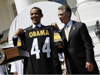 President Barack Obama with Pittsburgh Steelers President Art Rooney II (Getty Images)
