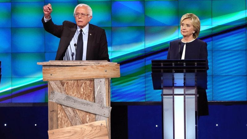 Illustration for article titled Bernie Sanders Refuses Flashy ABC Podium In Favor Of Own Humble, Homemade Lectern