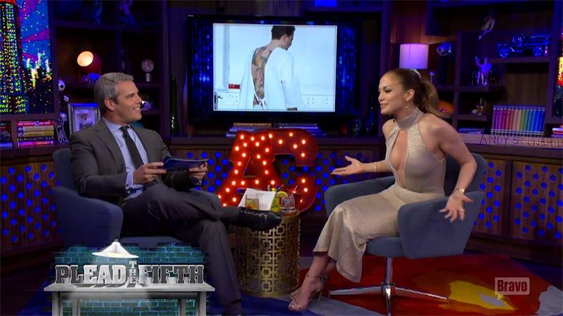 Illustration for article titled Jennifer Lopez Has Eyes, Thinks Ben Affleck's Huge Fucking Phoenix Tattoo Is 'Awful'