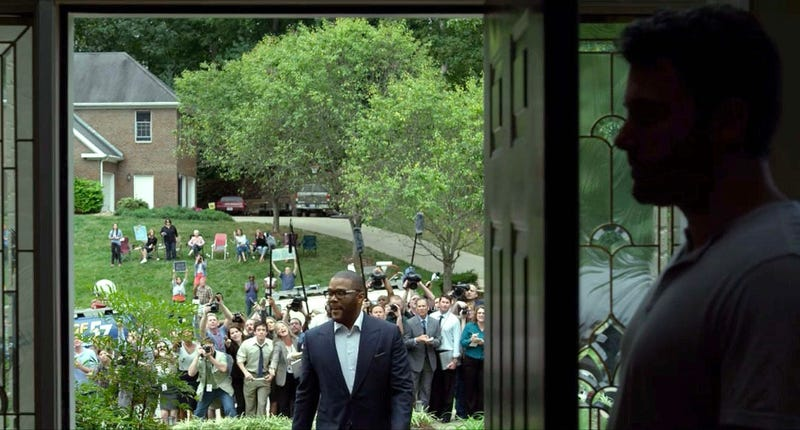 Illustration for article titled Character In Thriller Film Totally Unaware 100 Reporters On Front Lawn Until He Opens Door