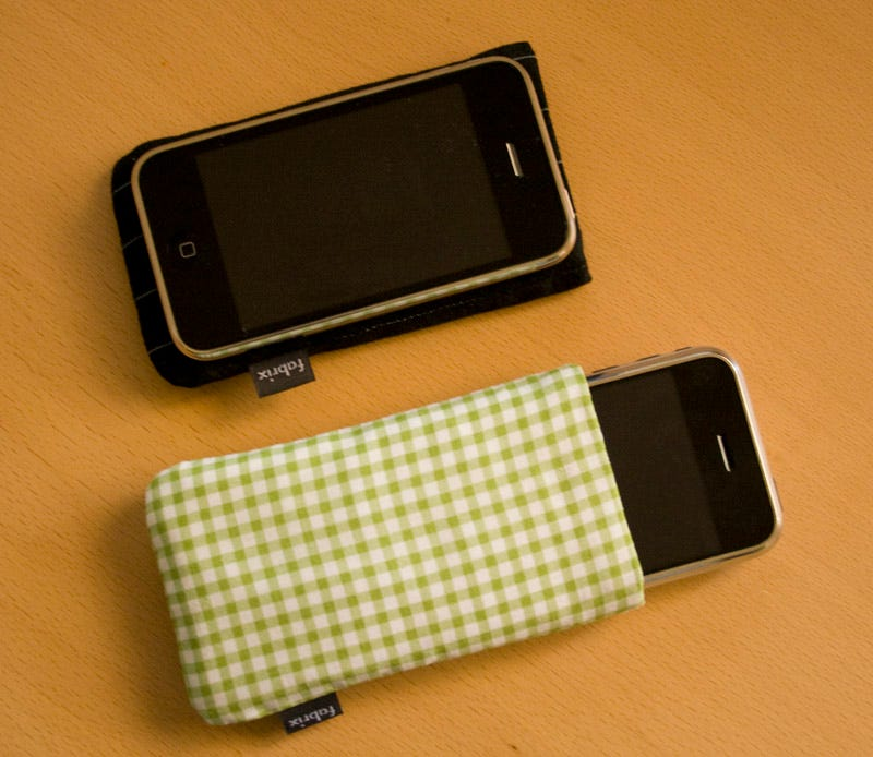Illustration for article titled Lightning Review: Fabrix iPhone 3G Fabric Sleeves