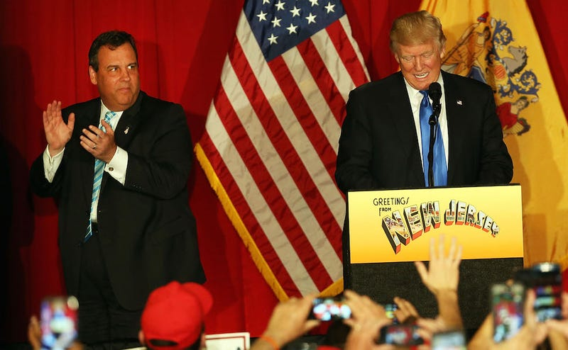 Illustration for article titled Chris Christie Continues Humiliating Himself, Allegedly Picks Up Trump's McDonald's Orders