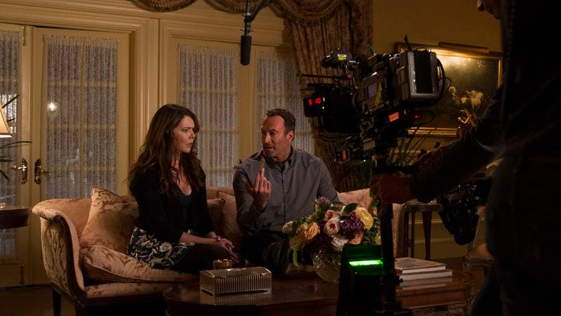Lauren Graham and Scott Patterson on the set of Gilmore Girls: A Year In The Life (Photo: Netflix)