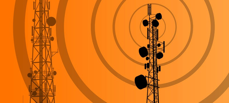 Illustration for article titled Phony Cell Towers Could Be Intercepting Your Data