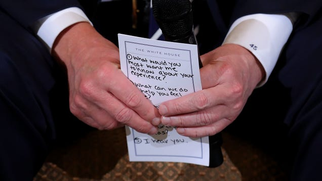 Photographer Catches Trump s Notes on How to Appear Sympathetic to Mass Shooting Survivors