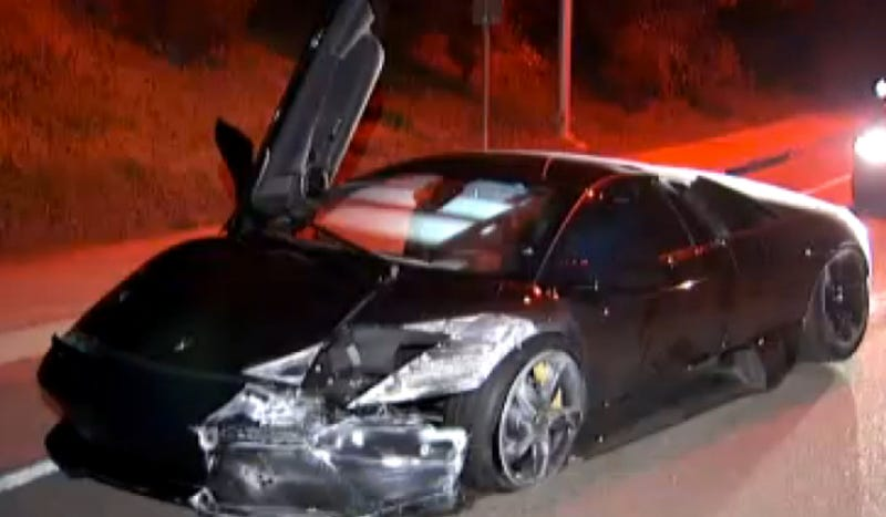 Illustration for article titled A Couple Crashed This Lamborghini Right After Buying It And Ran Away