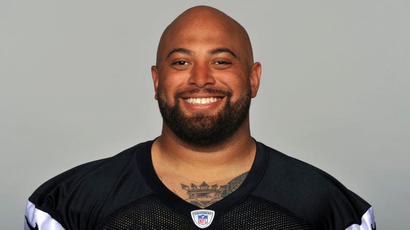 Chiefs' Roy Miller arrested, charged with domestic battery