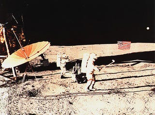 Illustration for article titled Apollo astronaut really did hit lunar golf ball for miles and miles and miles
