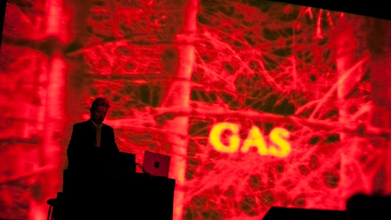 Wolfgang Voigt performing as Gas (Photo: Caroline Hayeur)