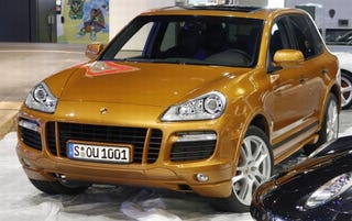 Illustration for article titled Chicago Auto Show: Porsche Cayenne GTS Caught Pre-Reveal