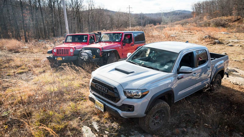 here's how the 2017 toyota tacoma trd pro fares against a jeep