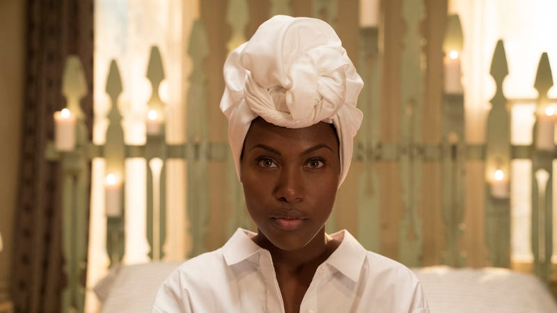 DeWanda Wise is Nola Darling in She's Gotta Have It. (Photo: David Lee/Netflix)
