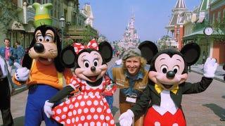Illustration for article titled Disneyland Paris Blatantly Overcharging British and German Visitors
