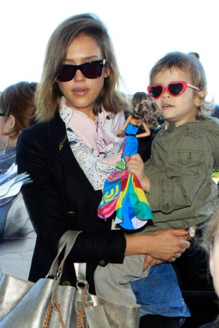 Illustration for article titled Jessica Alba & Daughter Have It Made In (Cute) Shades