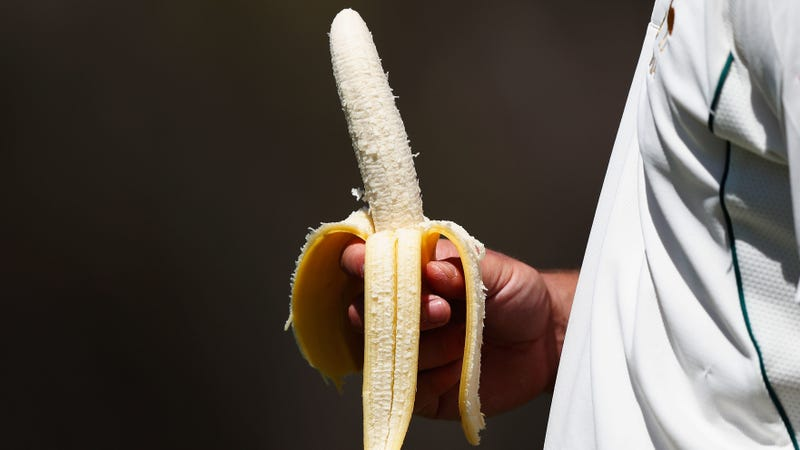 Illustration for article titled Nature created the perfect sports food and it's bananas—no literally, a banana