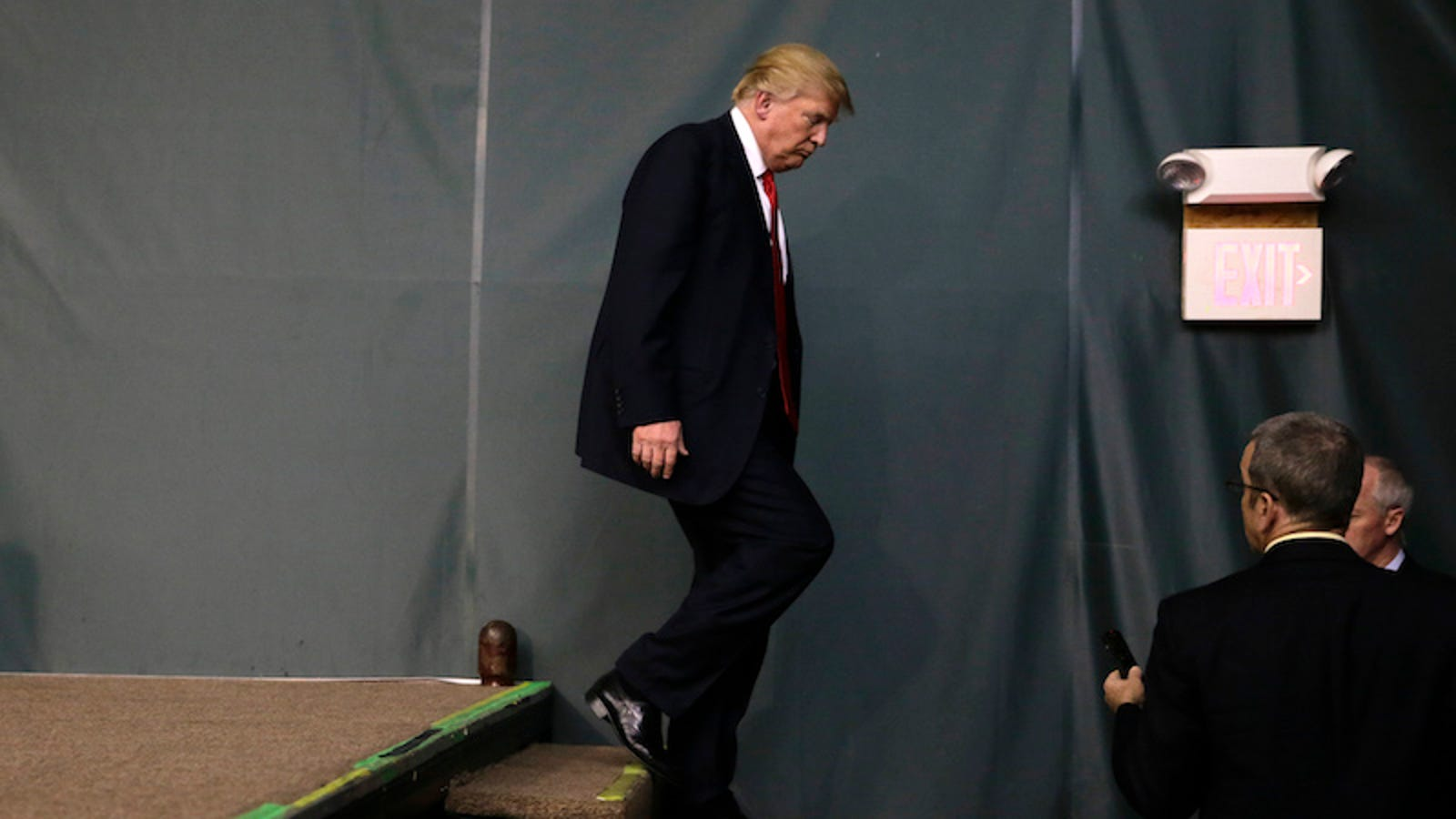 Donald Trump Can Absolutely Walk Up and Down the Stairs Like a Big Boy