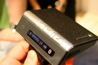 Illustration for article titled Sony Ericsson's Cool Desk/Car Bluetooth Speakerphone: HCB-120