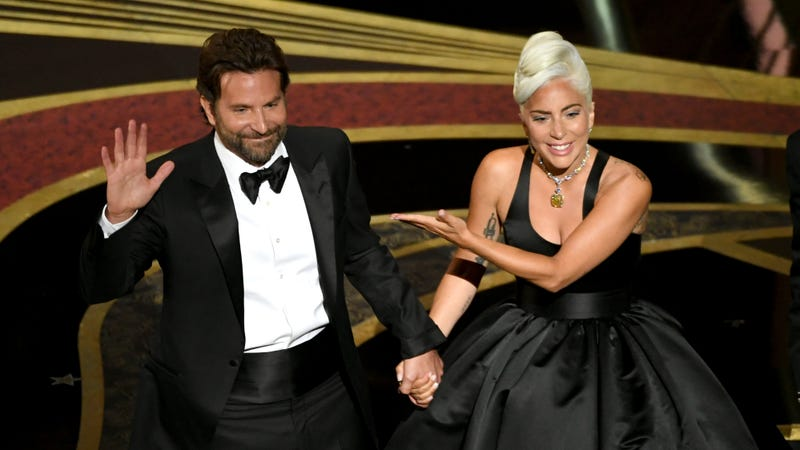 Illustration for article titled Lady Gaga & Bradley Cooper's Hot Oscars Duet Bumped A Star Is Born Back to the Top of the Charts