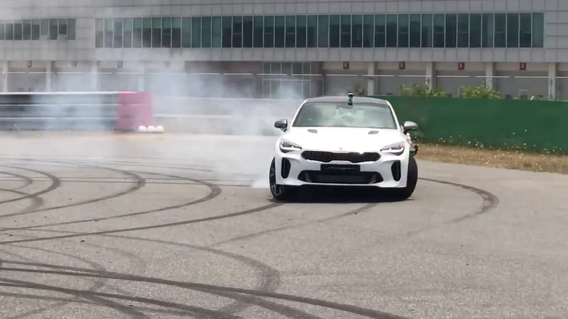 Illustration for article titled The New Kia Stinger GT Is Really Good At Getting Sideways And Roasting Tires