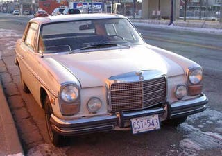 Illustration for article titled 35 Years In Canada? No Problem, Says '73 Mercedes 250C