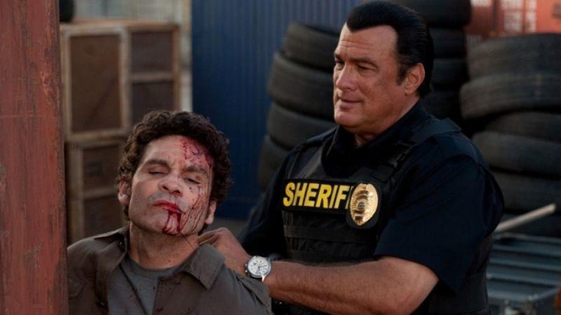 Illustration for article titled Steven Seagal going back to beating up fake criminals on TV