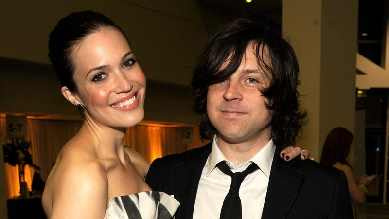 Illustration for article titled Ryan Adams sets the record straight on why his marriage to Mandy Moore didn't work out