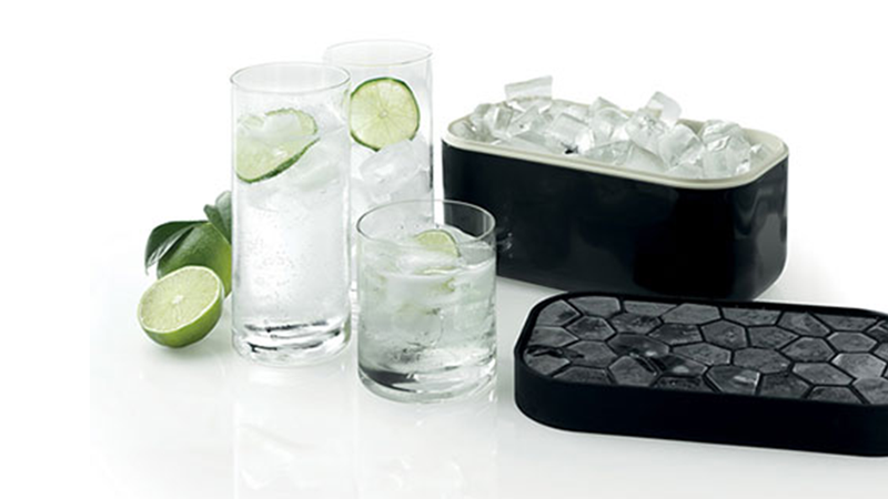 Illustration for article titled An Awesome 132-Cube Ice Tray Exists Because People Are Assholes