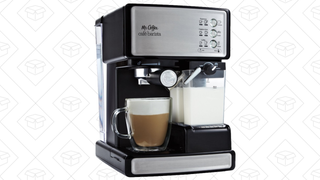 Cafetera Mr. Coffee Café Barista Espresso | $106 | Amazon